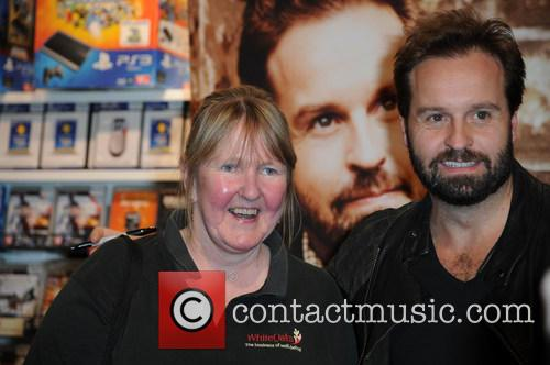 Alfie Boe and Fans 9