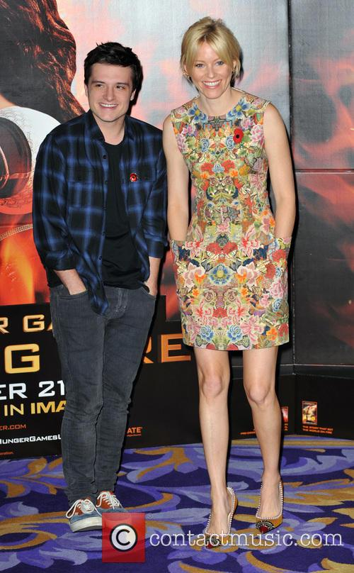 Josh Hutcherson and Elizabeth Banks 4