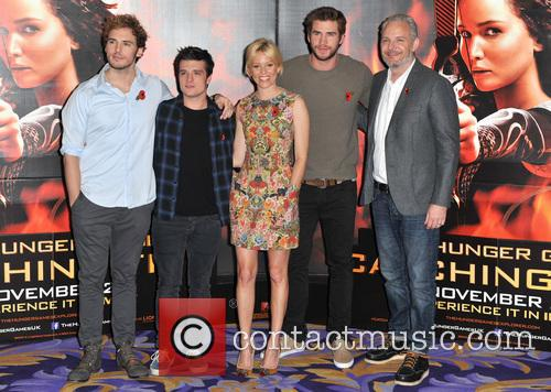 Sam Claflin, Josh Hutcherson, Elizabeth Banks, Liam Hemsworth and Francis Lawrence 4