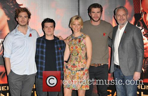 Sam Claflin, Josh Hutcherson, Elizabeth Banks, Liam Hemsworth and Francis Lawrence 5