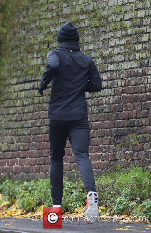 harry styles exclusive harry styles goes running 3952385