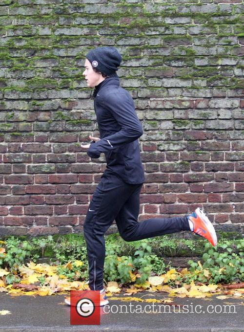 harry styles exclusive harry styles goes running 3952403