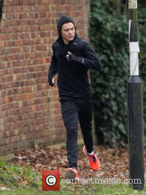 harry styles exclusive harry styles goes running 3952419