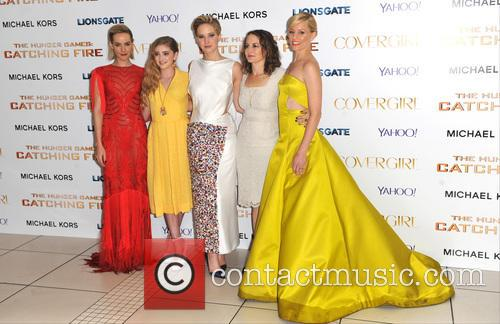 Jen Malone, Olivia Shield, Nina Jacobsen, Jennifer Lawrence and And Elizabeth Banks 2