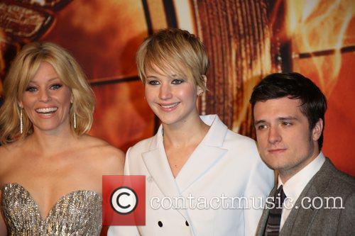 Jennifer Lawrence, Elizabeth Banks (l) and Josh Hutcherson 1