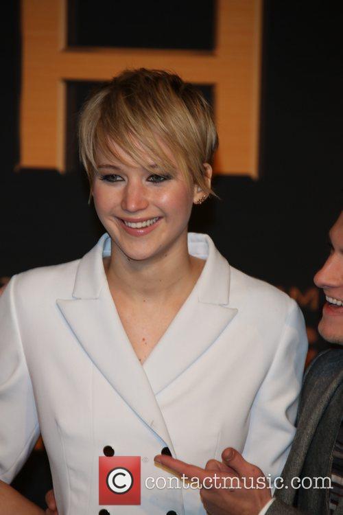 Jennifer Lawrence and Josh Hutcherson 1