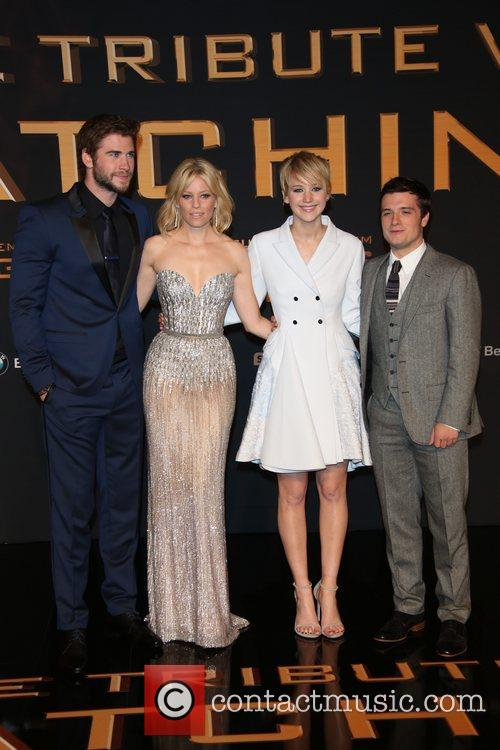 Liam Hemsworth (l-r), Elizabeth Banks, Jennifer Lawrence and Jos 6