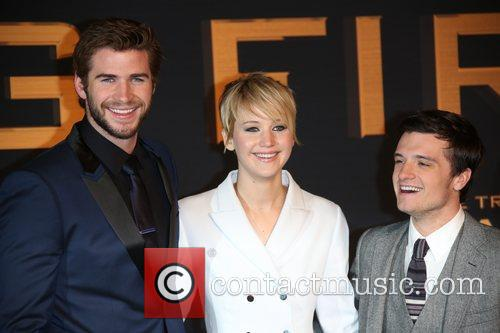 Liam Hemsworth (l-r), Jennifer Lawrence and Josh Hutcherson 4