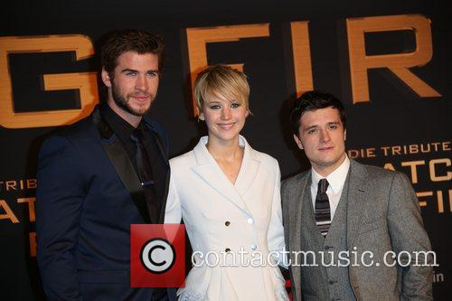 Liam Hemsworth (l-r), Jennifer Lawrence and Josh Hutcherson 7