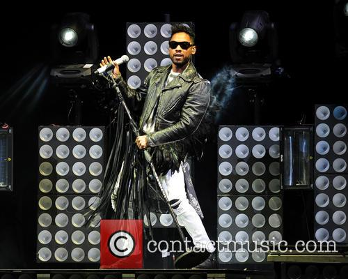 miguel miguel performing live in concert 3951289