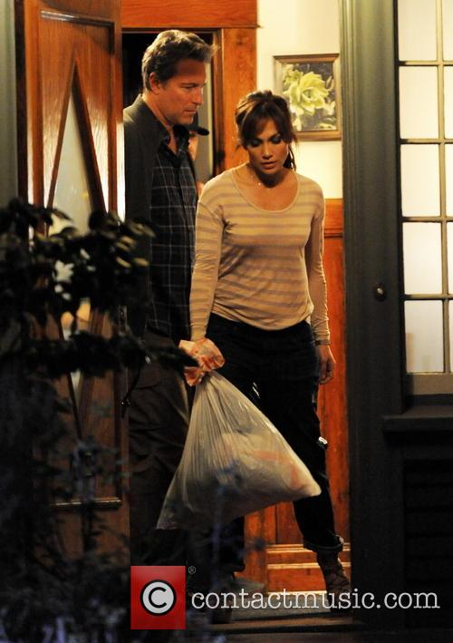 Jennifer Lopez and John Corbett 27
