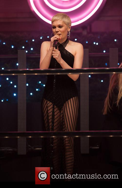 jessie j oxford street christmas lights 3950034