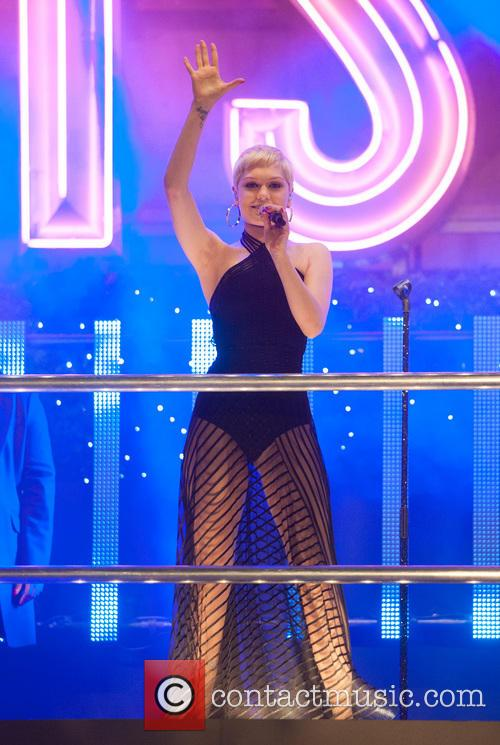 jessie j oxford street christmas lights 3950077