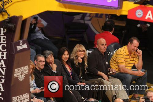 Celebs at Lakers game.