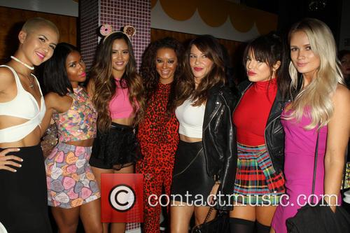 Mel B, Melanie Brown, Natasha Slayton, Paula Van Oppen, Emmalyn Estrada, Simone Battle, Lauren Bennett and Robin Antin 9