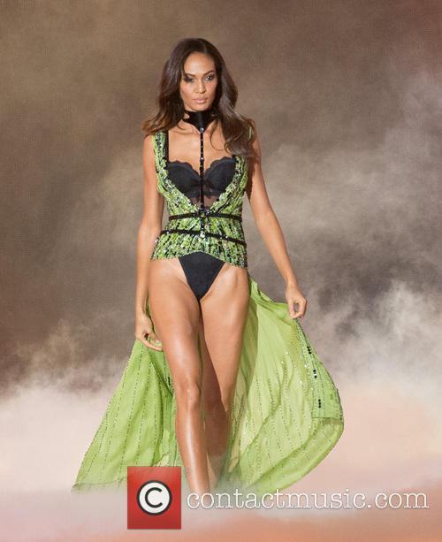joan smalls victoria secret fashion show 2013 3953531