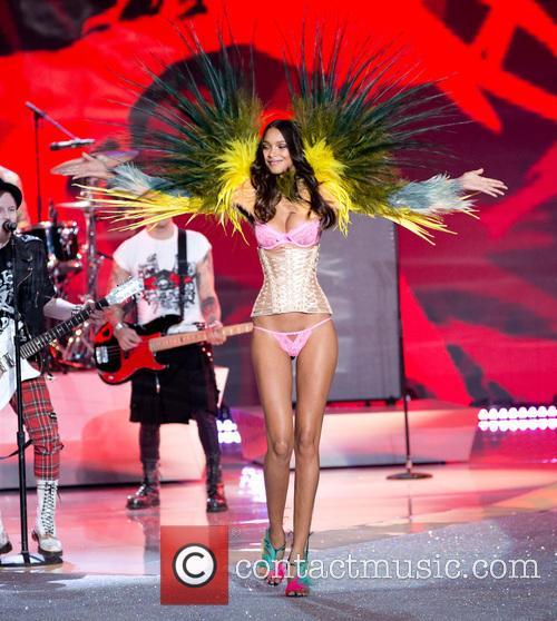 lais ribeiro victoria secret fashion show 2013 3953585