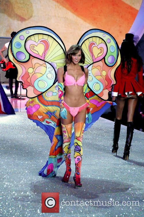 Victoria Secret Fashion Show and Runway 32