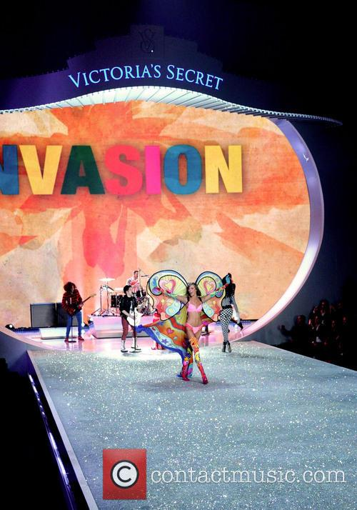 Victoria Secret Fashion Show and Runway 38