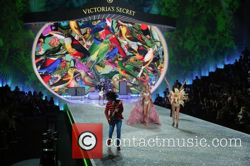 Victoria Secret Fashion Show and Runway 39