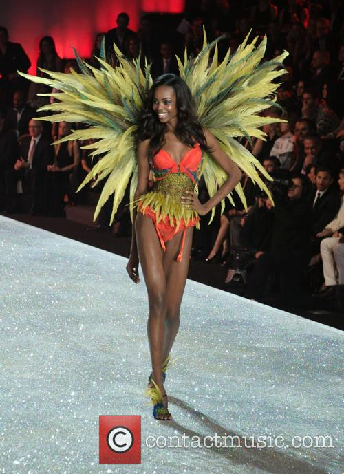 Victoria Secret Fashion Show and Runway 40