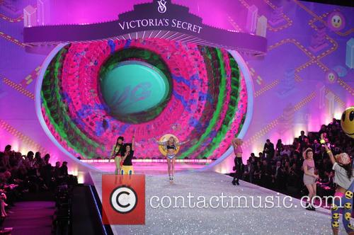 Victoria Secret Fashion Show and Runway 76