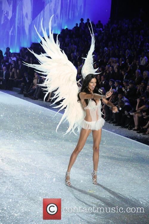 Victoria Secret Fashion Show and Runway 142