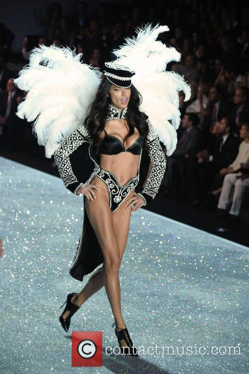 Victoria Secret Fashion Show, Runway, Lexington Avenue Armory, Victoria Secret