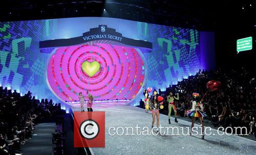 Victoria Secret Fashion Show and Runway 175