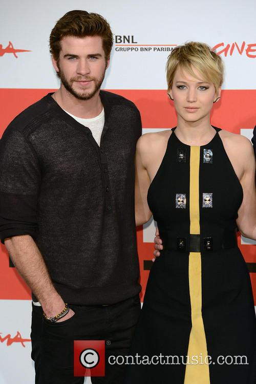 Liam Hemsworth and Jennifer  Lawrence 5