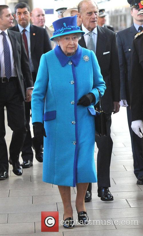 Queen Elizabeth II, Prince Philip, Duke of Edinburgh, Manchester Piccadilly station