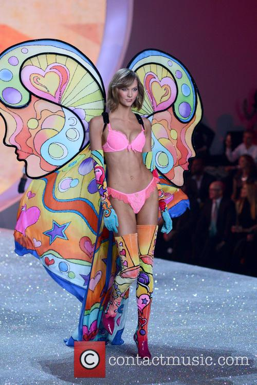 karlie kloss 2013 victorias secret fashion show 3952548