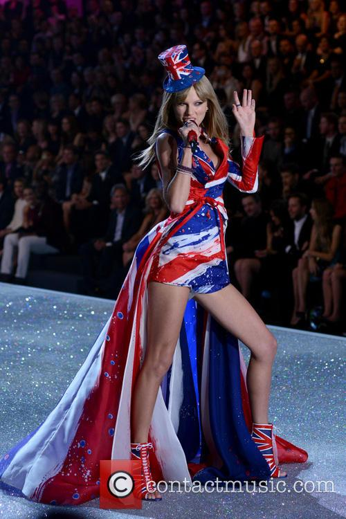Taylor Swift in Union Jack dress at Victoria's Secret Fashion Show