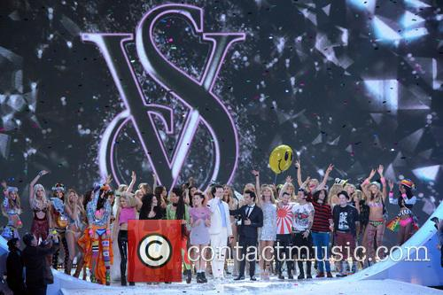 atmosphere 2013 victorias secret fashion show 3954798