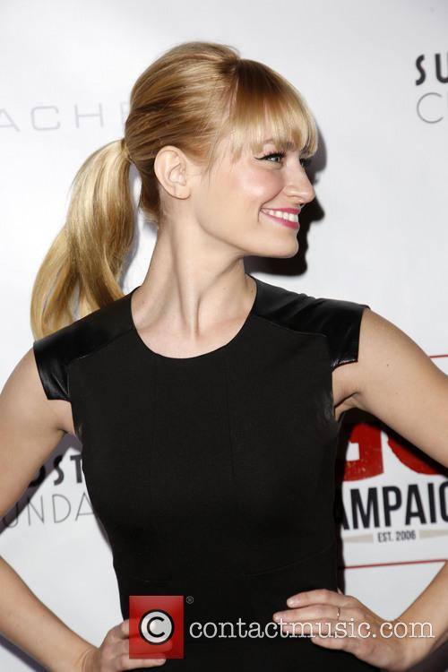 Beth Behrs 8