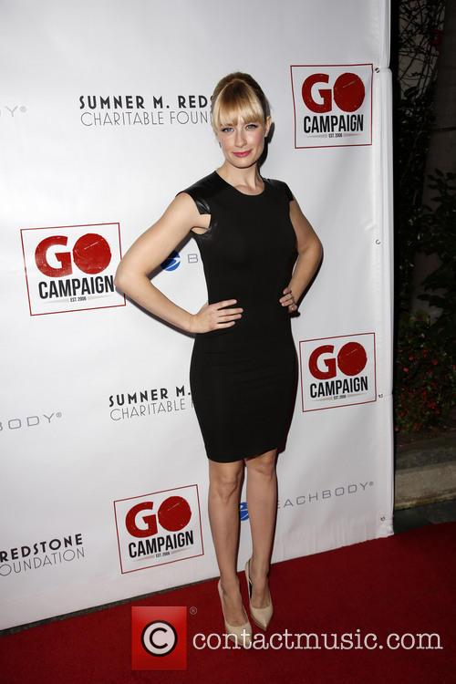 Beth Behrs 9