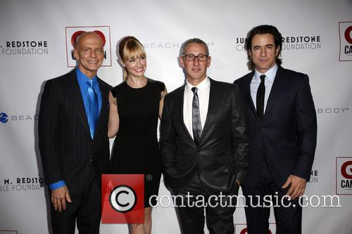 Scott Fifer, Beth Behrs, Adam Shankman and Dermont Mulroney 5