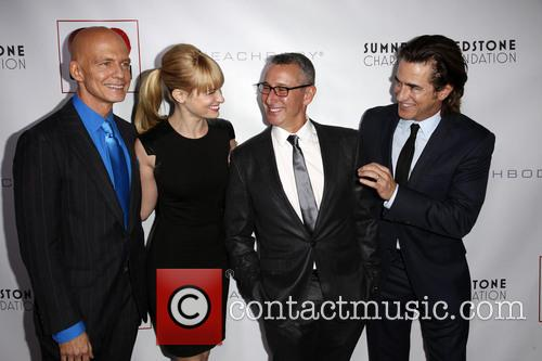 Scott Fifer, Beth Behrs, Adam Shankman and Dermont Mulroney 6