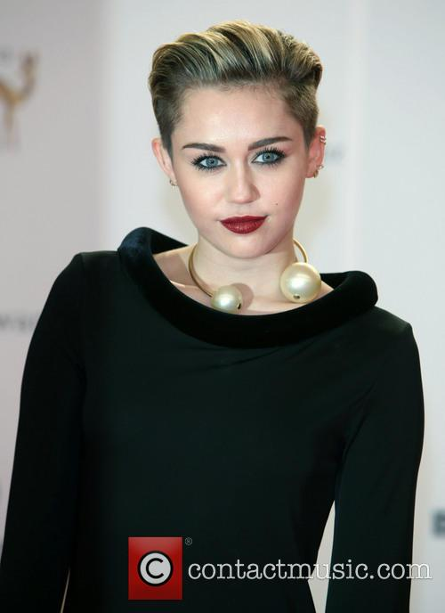 miley cyrus bambi 2013 awards red 3954378