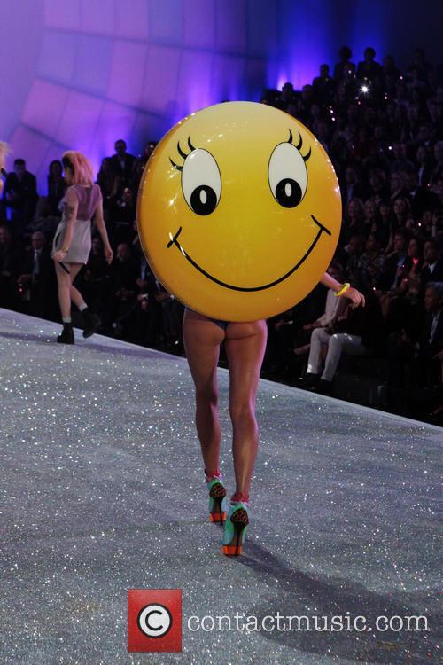 Victoria Secret Model 2