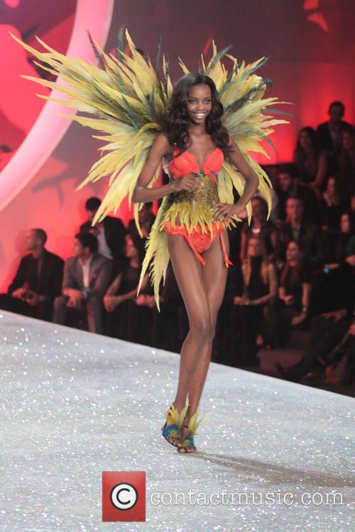 victoria secret model victoria secret fashion show 3953233