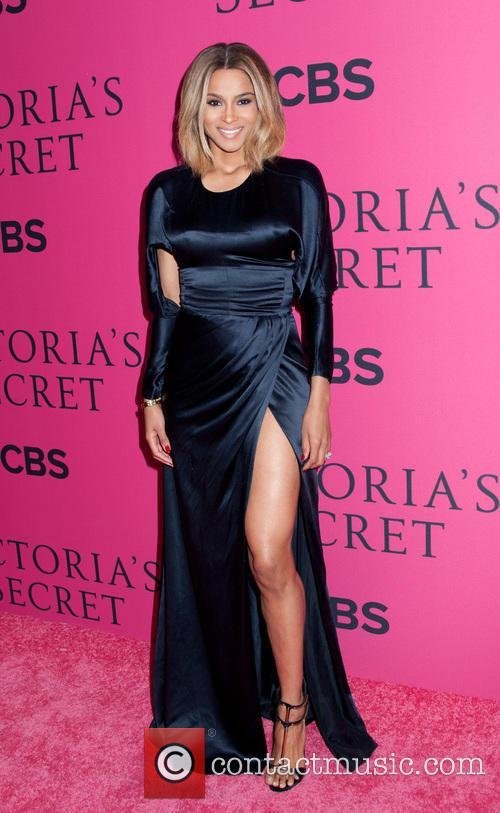 Victoria Secret Fashion Show 2013 Pink Carpet