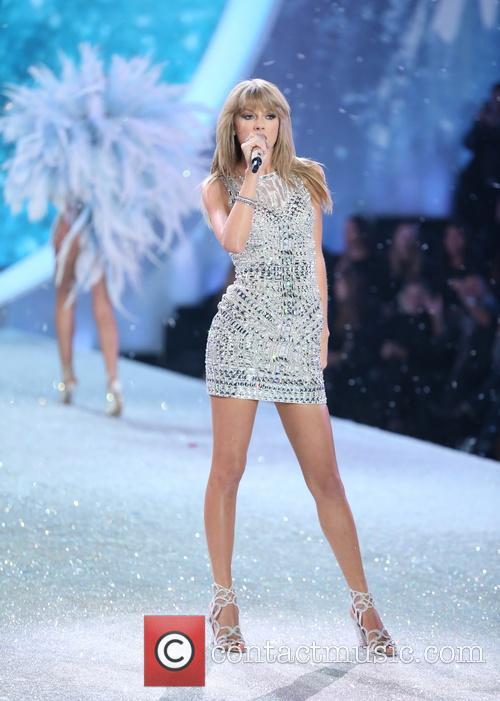 Taylor Swift at Victoria's Secret Fashion Show