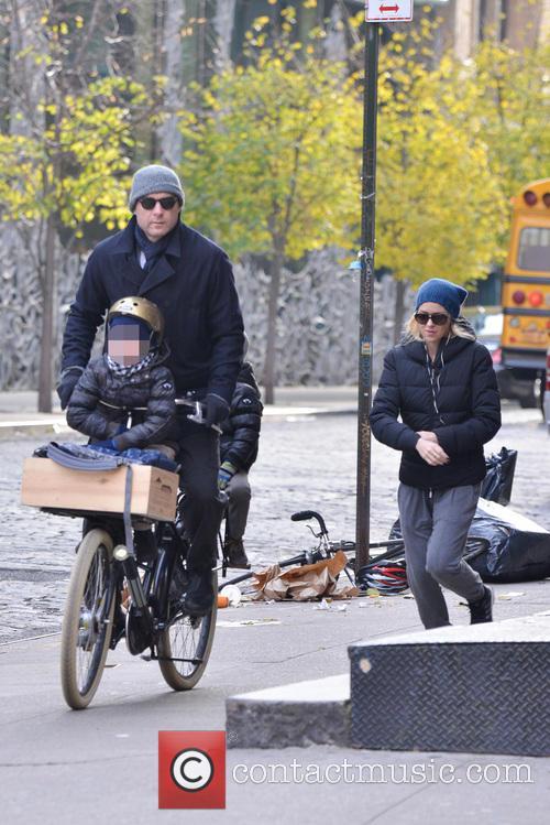 Liev Schriber and Naomi Watts 4