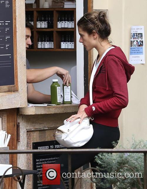 Alessandra Ambrosio picks up some helath juices