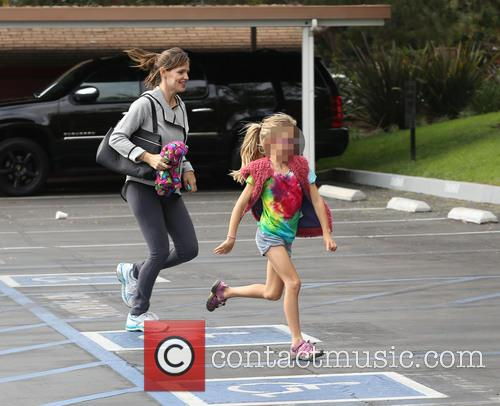 Jennifer Garner and Violet Affleck 11