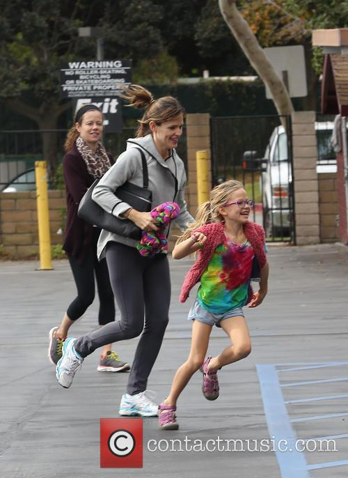 Jennifer Garner and Violet Affleck 14