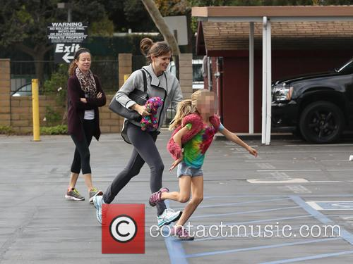 Jennifer Garner and Violet Affleck 19