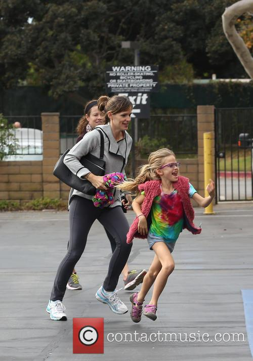 Jennifer Garner and Violet Affleck 23