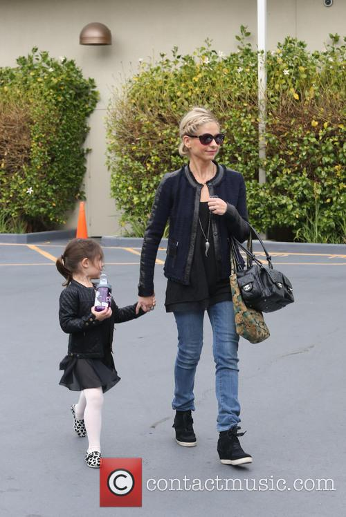 Sarah Michelle Gellar and Charlotte Prinze 9